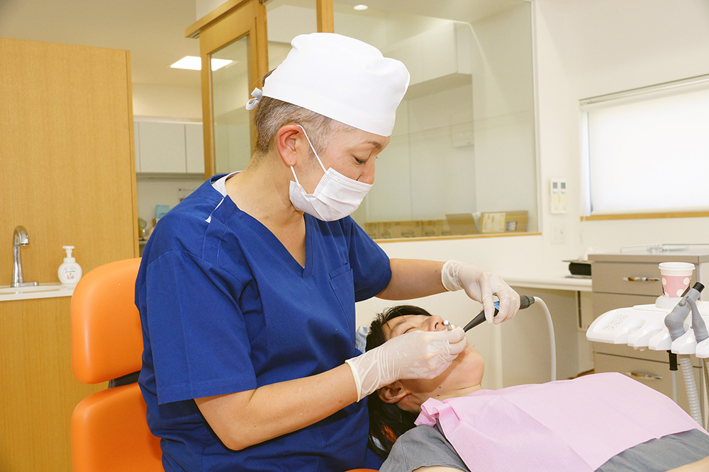 患者さまの9割がメンテナンスに訪れる歯科医院